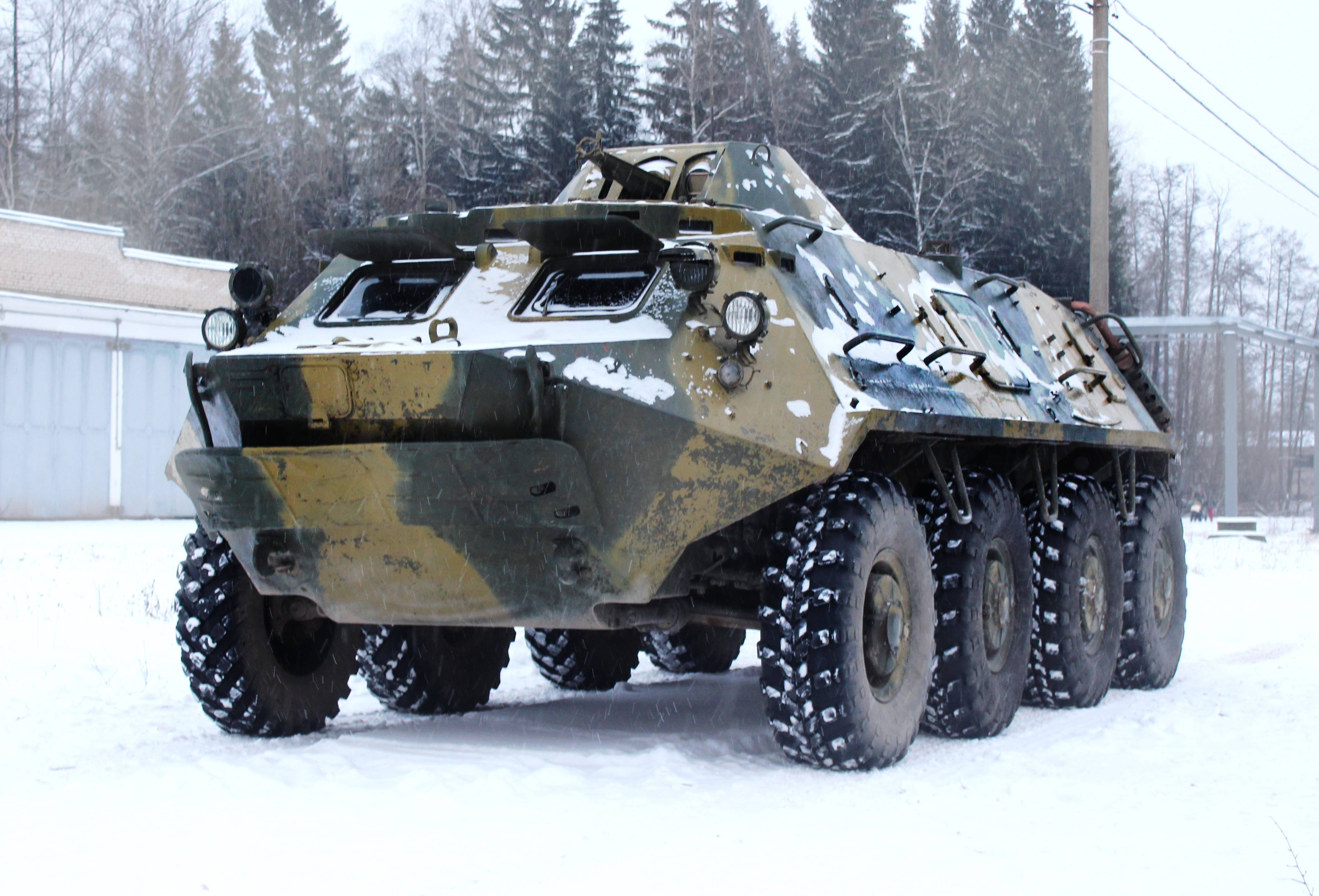 Заезды на бронетранспортере БТР-60 и боевой машине десанта БМД-1                                                                           и стрельба из Автомата Калашникова АК-74